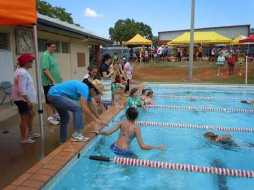 Lucrapana win 2012 swimming carnival